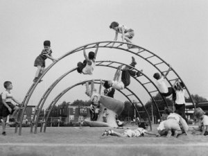 wolff-werner-children-playing-on-a-playground